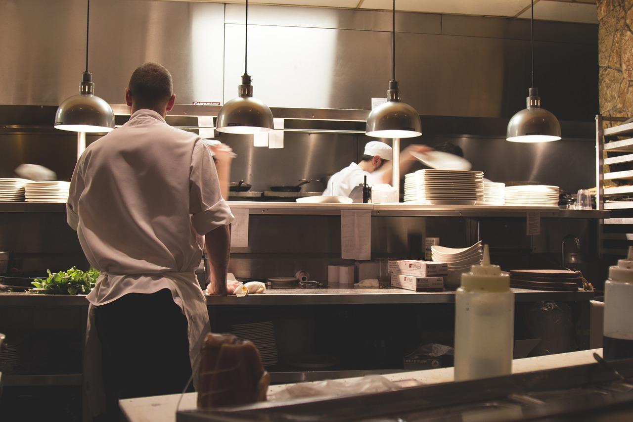 Gastronomické potřeby – elektrické sporáky, elektrické kotle a elektrické fritézy